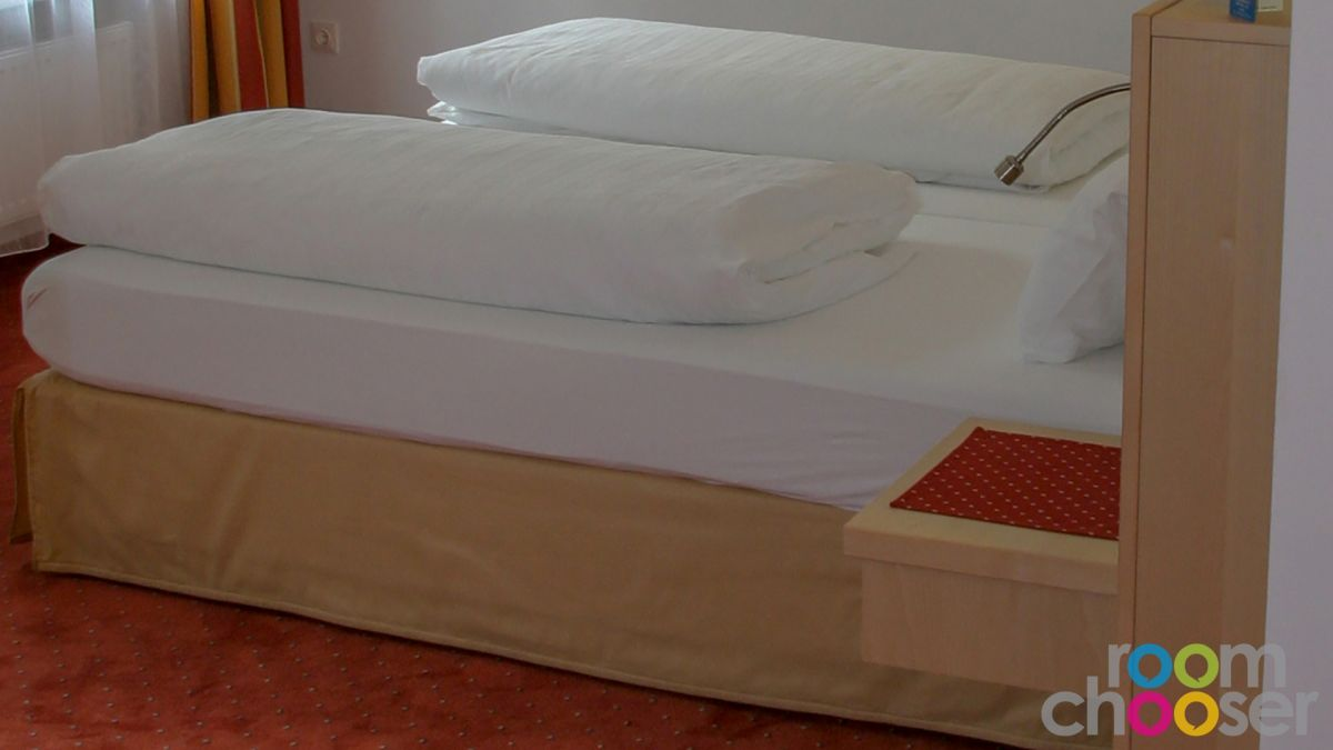 Accessible hotel room Austria Classic Hotel Heiligkreuz, 107, Bed