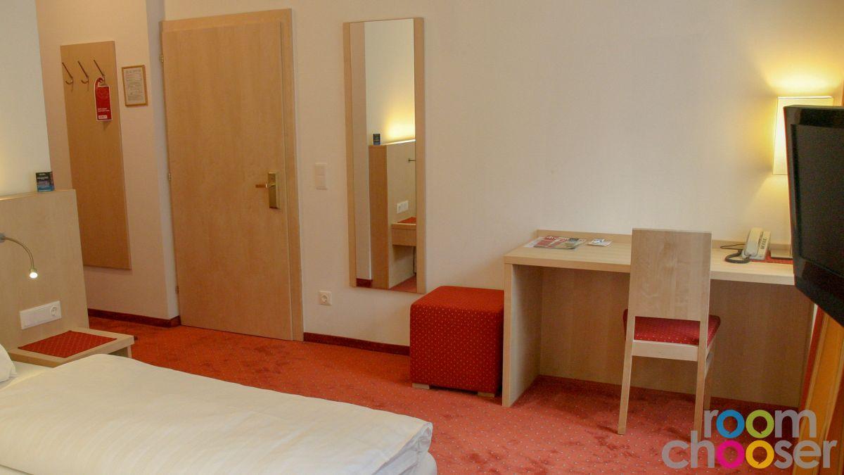 Accessible hotel room Austria Classic Hotel Heiligkreuz, 107, Living area
