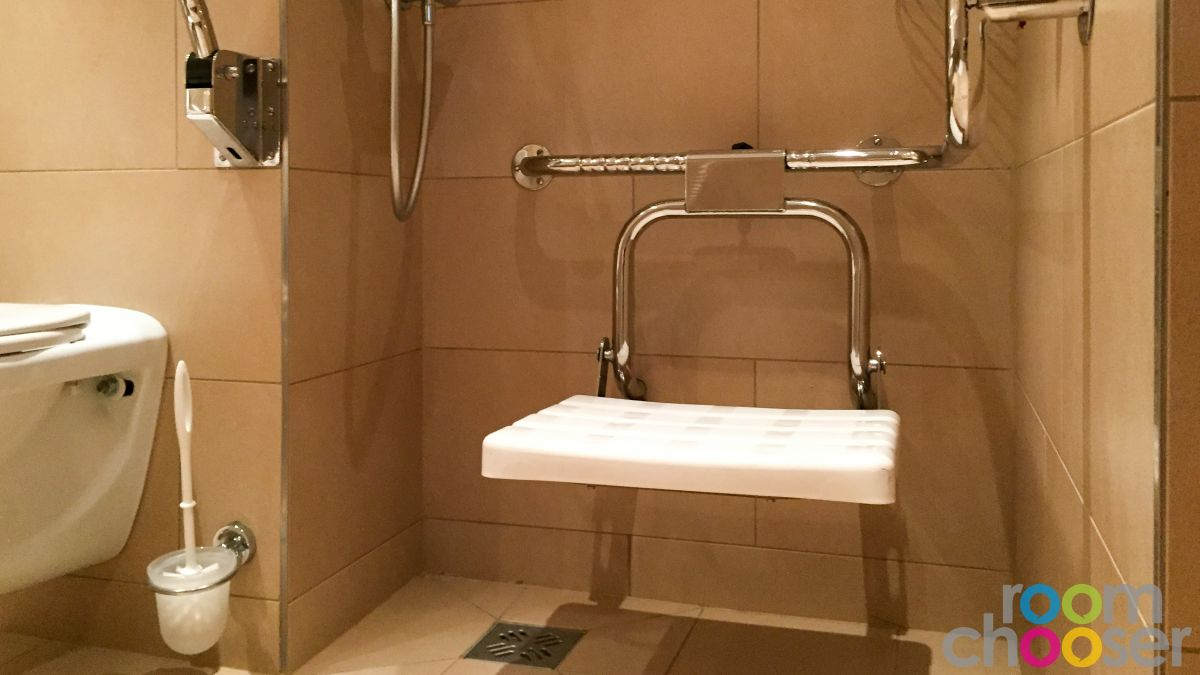 Accessible hotel room Austria Trend Hotel Ananas, 234, Shower
