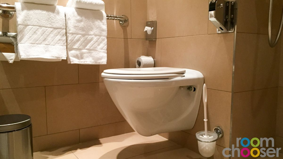 Accessible hotel room Austria Trend Hotel Ananas, 234, Toilet