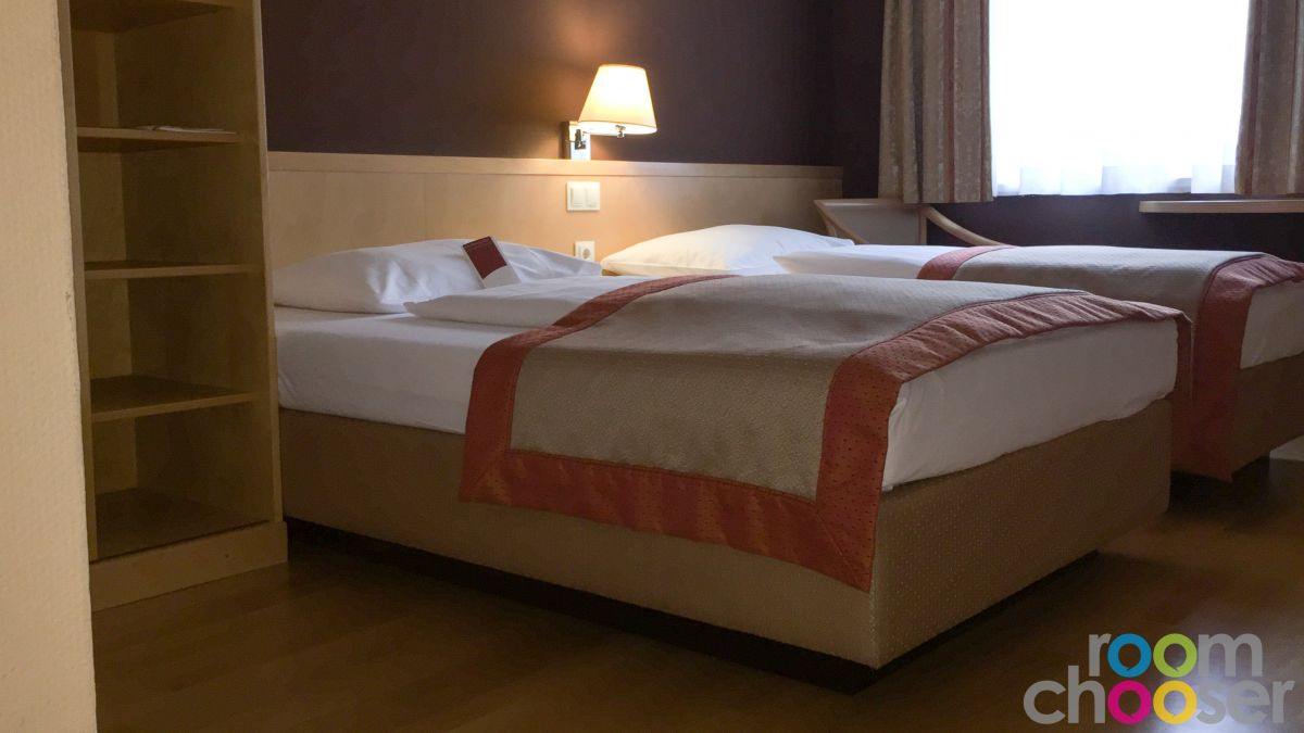 Accessible hotel room Austria Trend Hotel Ananas, 236, Bed