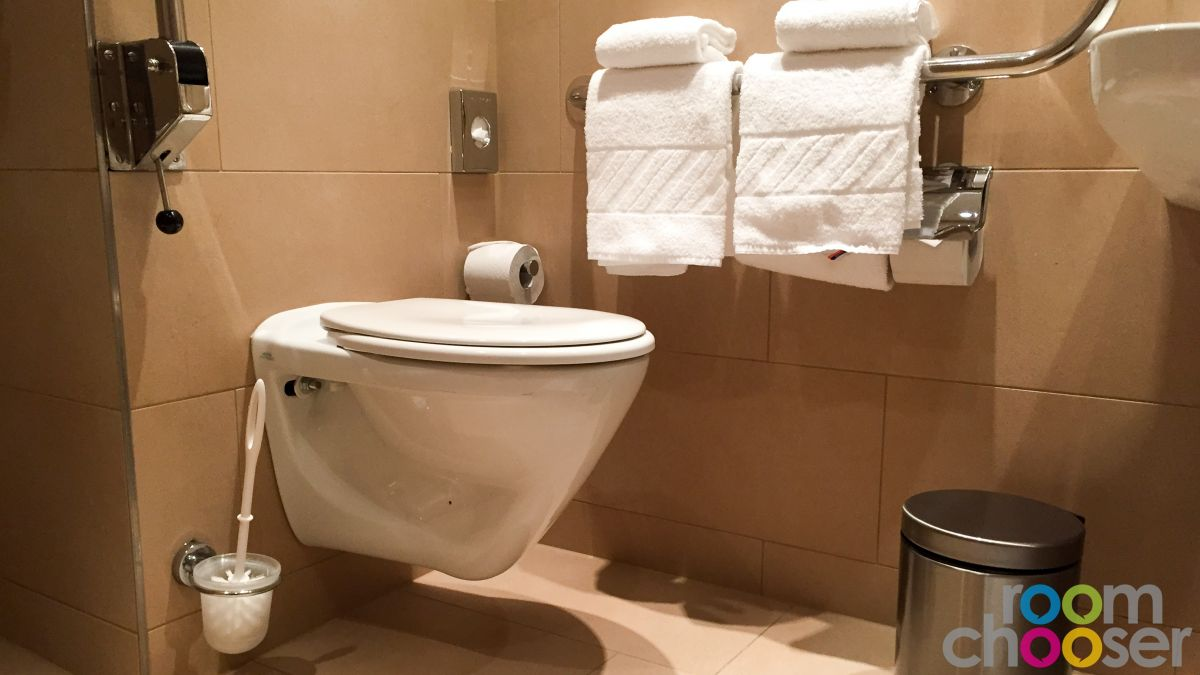 Accessible hotel room Austria Trend Hotel Ananas, 236, Toilet