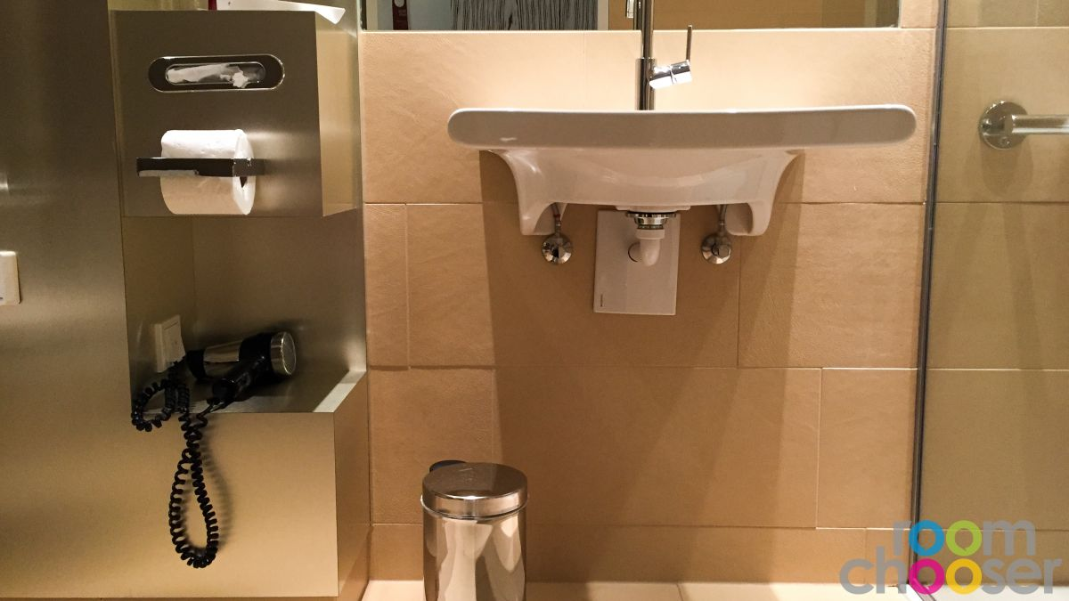 Accessible hotel room Austria Trend Hotel Park Royal Palace Vienna, 204 304 404, Sink