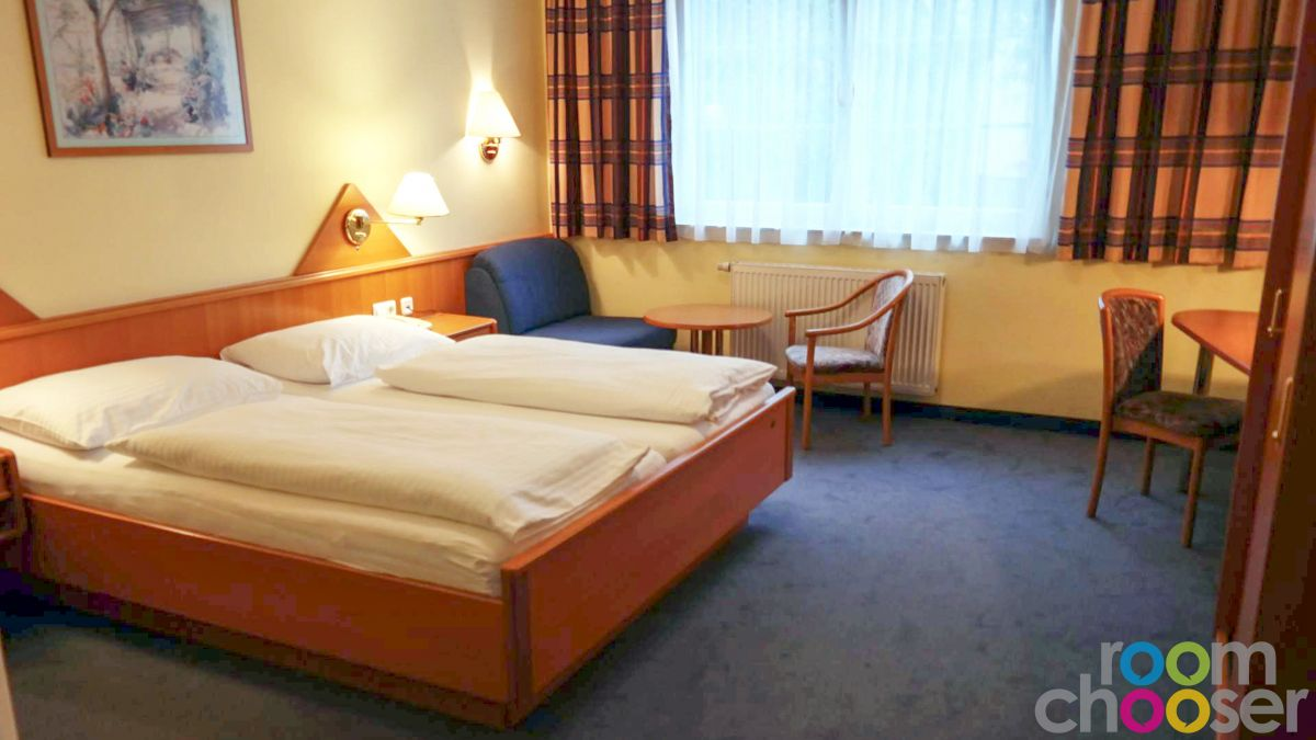 Accessible hotel room Das Grüne Hotel zur Post, 103, View into the room