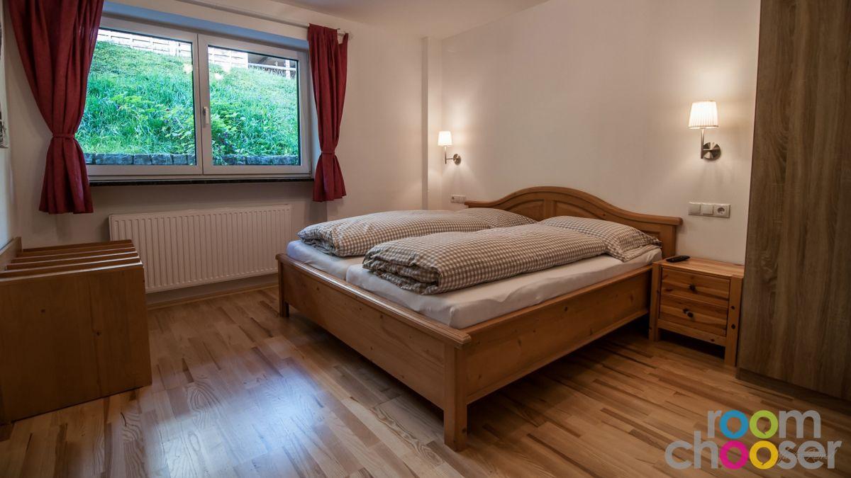 Accessible hotel room Ferienwohnungen Wartbichler, 1, Bed