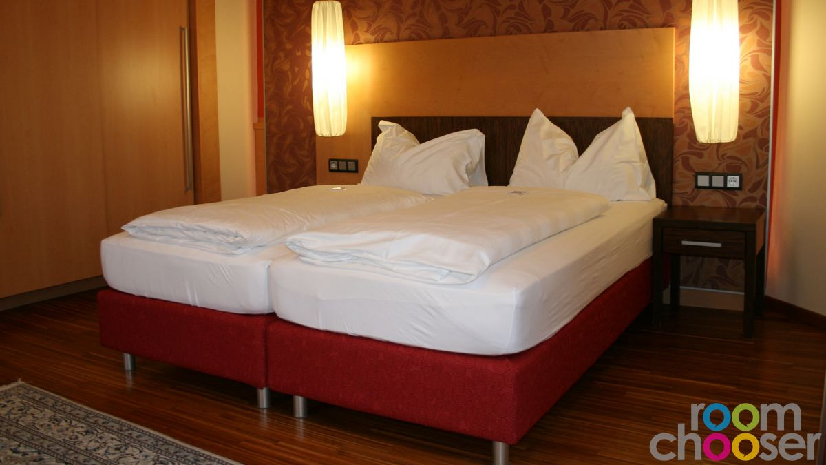 Accessible hotel room Hotel Miraverde, 32, Bed