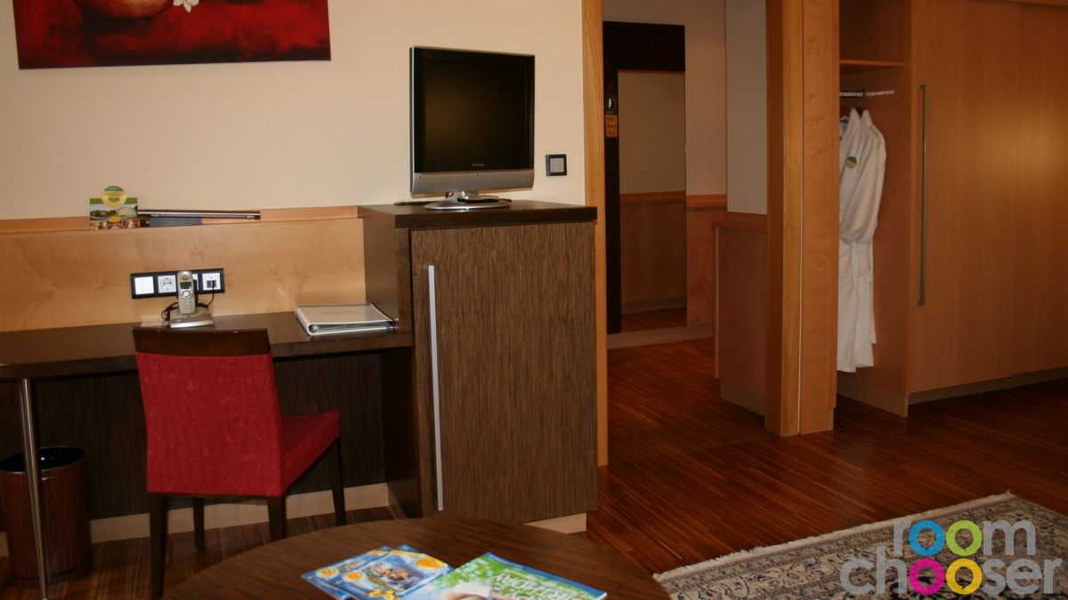 Accessible hotel room Hotel Miraverde, 32, Living area