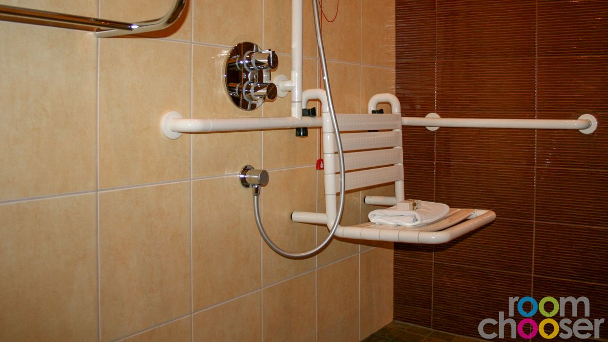 Accessible hotel room Hotel Miraverde, 32, Shower