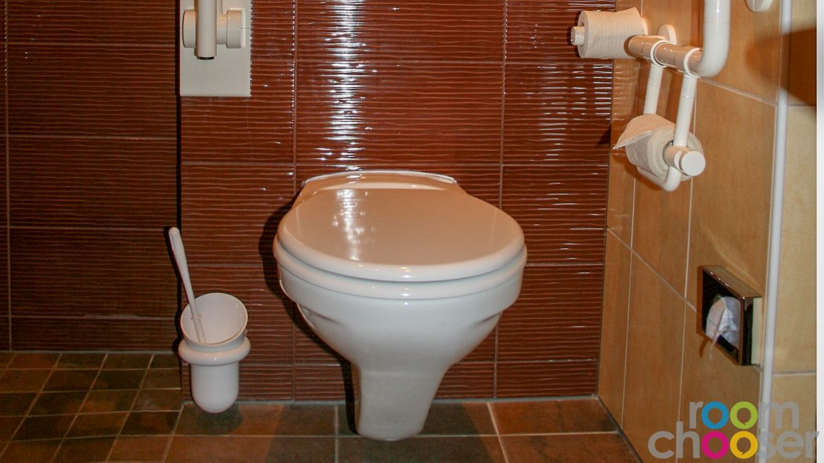 Accessible hotel room Hotel Miraverde, 32, Toilet