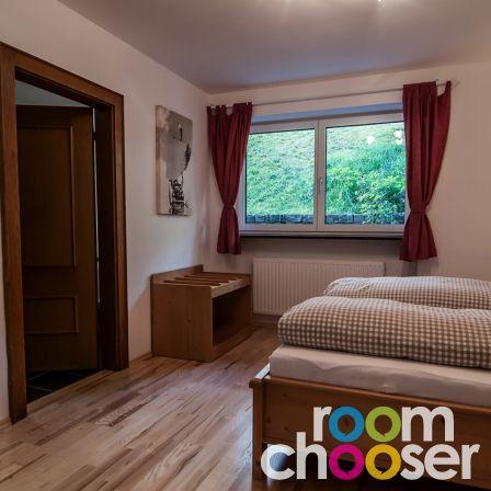 Accessible hotel room Ferienwohnungen Wartbichler, 1, View into the room